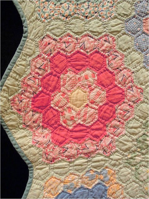 The Grandmother's Garden exhibited by Alicia French, 2013 AZQG, photo by Quilt Inspiration